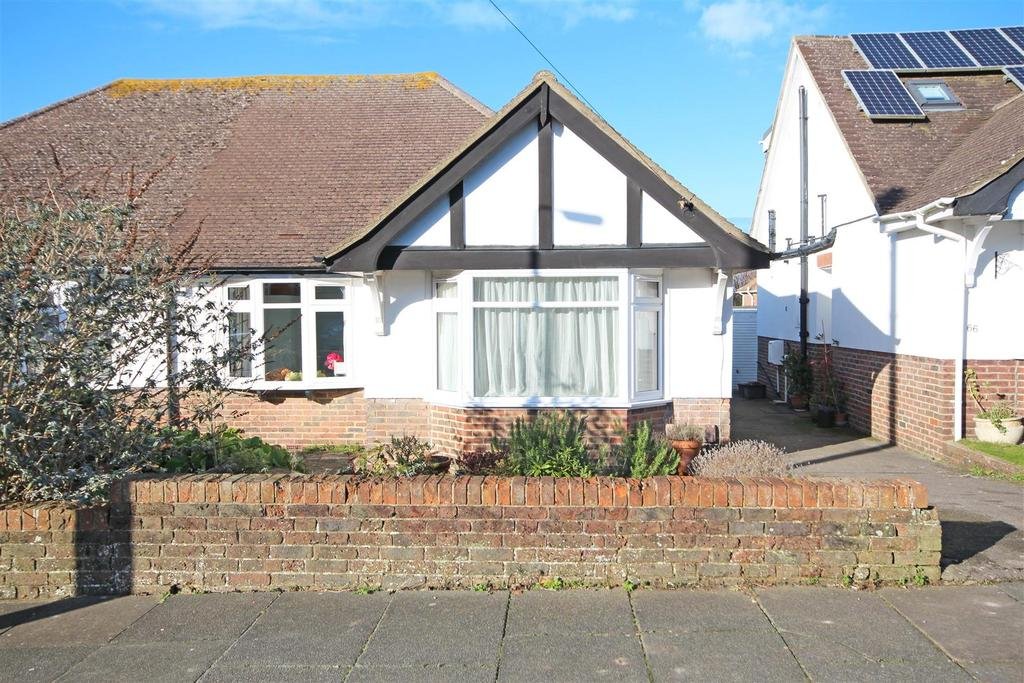 2 Bedrooms Semi Detached Bungalow for sale in Larkfield Way, Patcham, Brighton