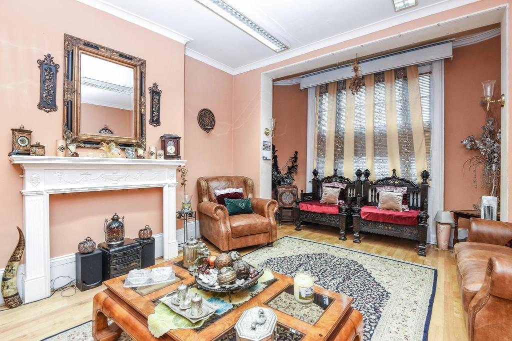 6 Bedrooms Detached House for sale in West Hill, Southfields