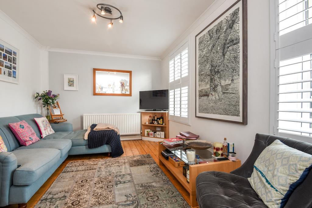 2 Bedrooms Maisonette Flat for sale in Paragon Place London SE3