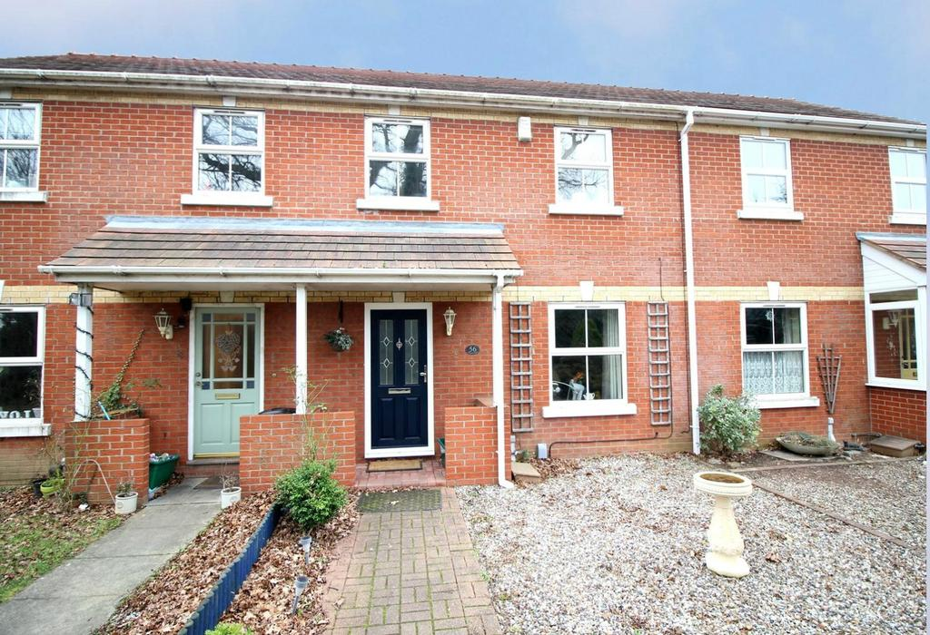 3 Bedrooms Terraced House for sale in Maypole Green Road, Colchester, Essex, CO2