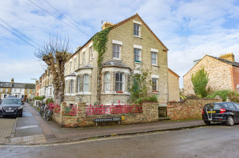 4 Bedrooms Semi Detached House for sale in Western Road, Grandpont, Oxford