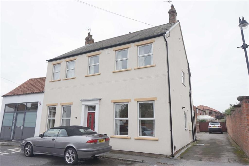 2 Bedrooms Flat for rent in Low Street, North Ferriby, North Ferriby, HU14
