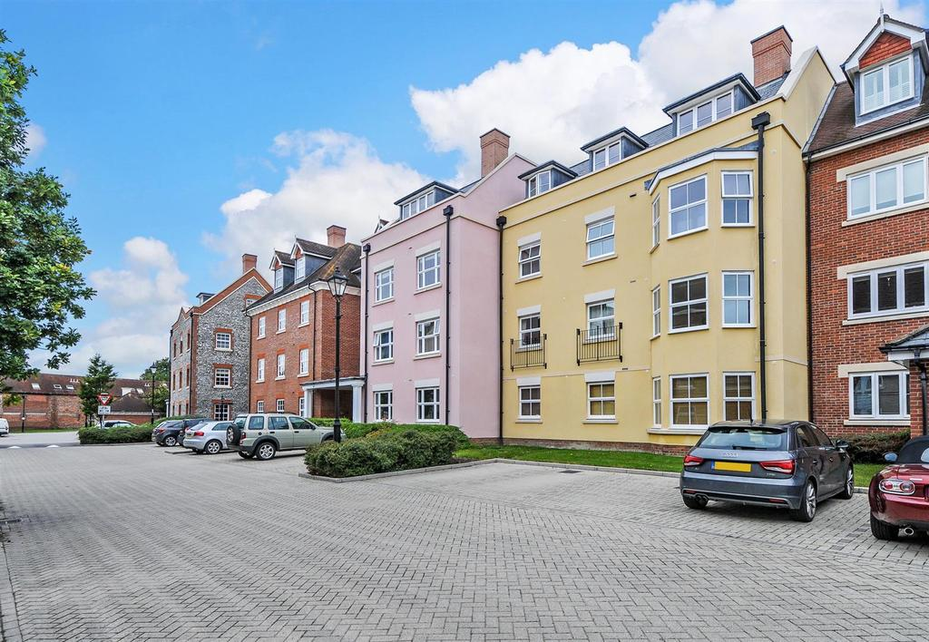 2 Bedrooms Apartment Flat for sale in Chichester