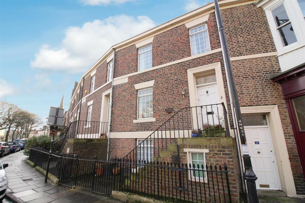3 Bedrooms Terraced House for sale in Huntingdon Place, Tynemouth