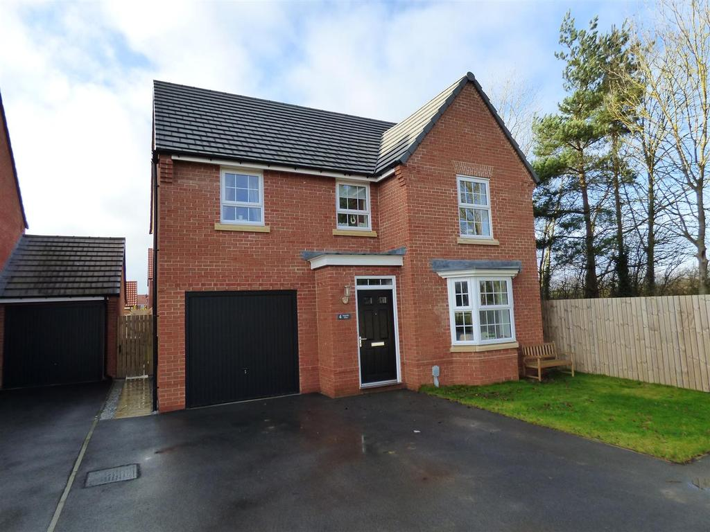4 Bedrooms Detached House for sale in Magnolia Close, Beverley, East Yorkshire, HU17 7FA