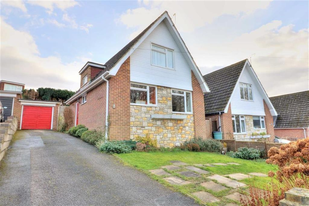 3 Bedrooms Chalet House for sale in Clanfield Close, Chandlers Ford, Hampshire