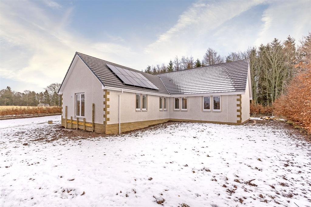 4 Bedrooms Detached Bungalow for sale in Strawberry Fields, Lintrose, Campmuir, Blairgowrie, PH13