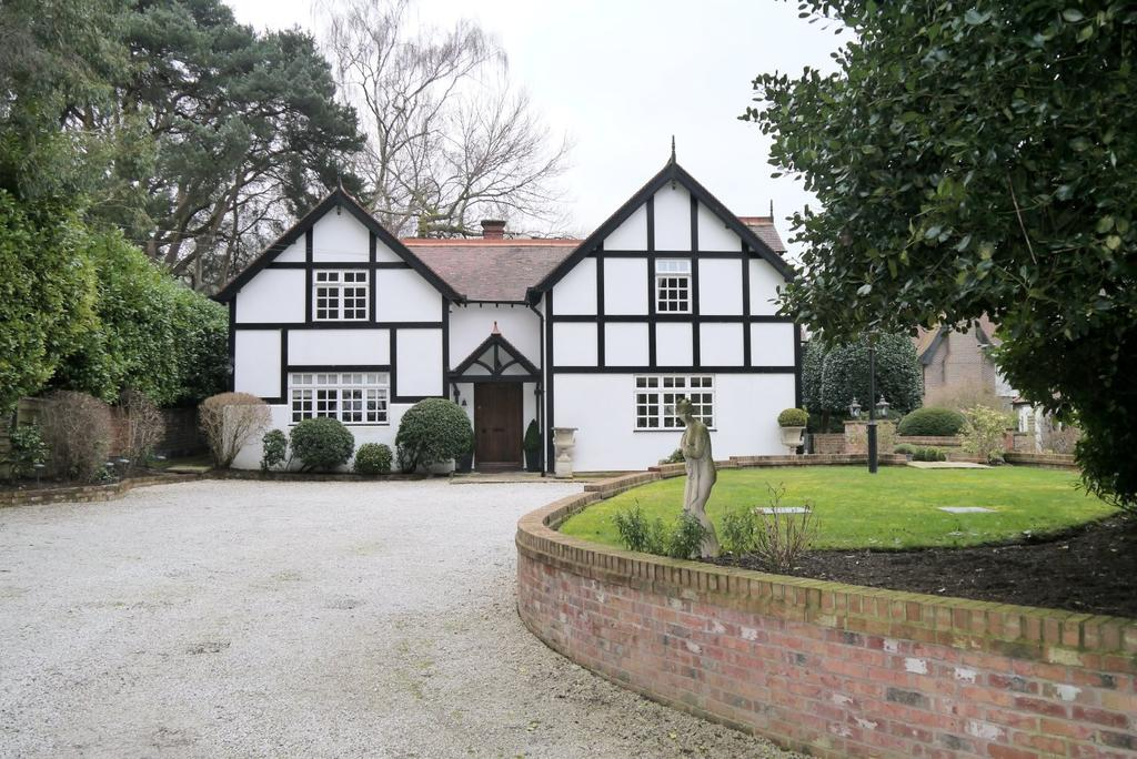 4 Bedrooms Detached House for sale in Charcoal Road, Bowdon