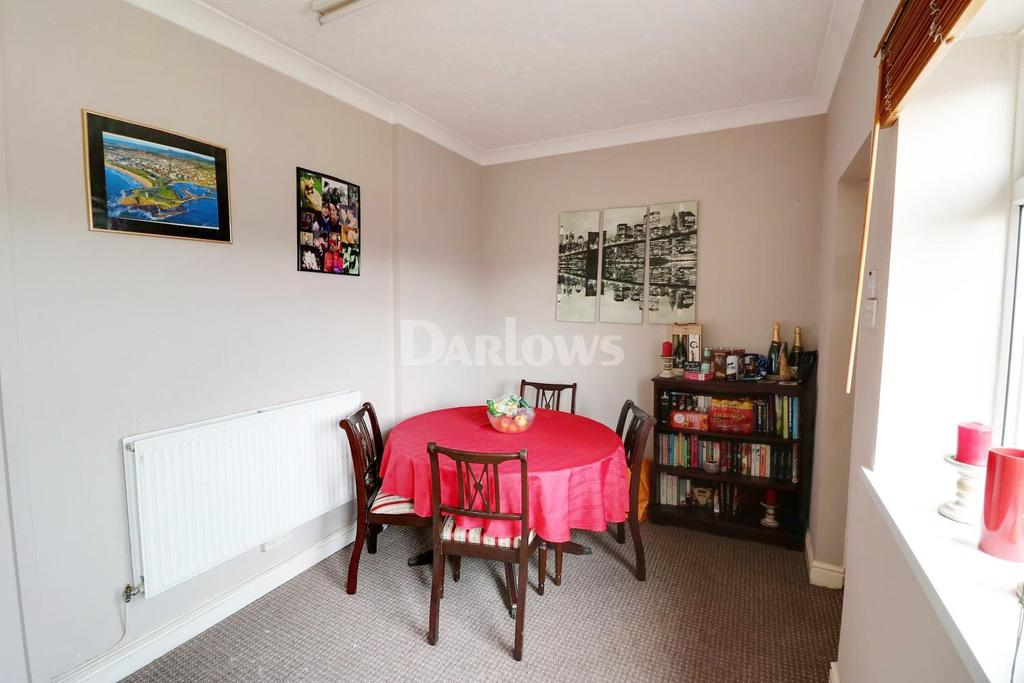 2 Bedrooms End Of Terrace House for sale in William Street, Tir-Y-Berth