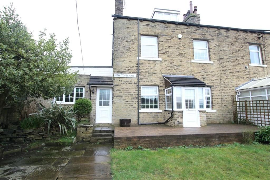3 Bedrooms Cottage House for sale in New Toftshaw, East Bierley, West Yorkshire
