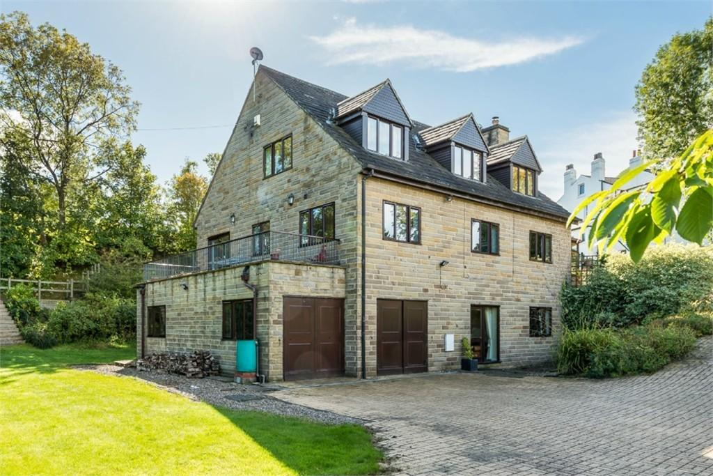 4 Bedrooms Detached House for sale in Dale Road, Drighlington, West Yorkshire