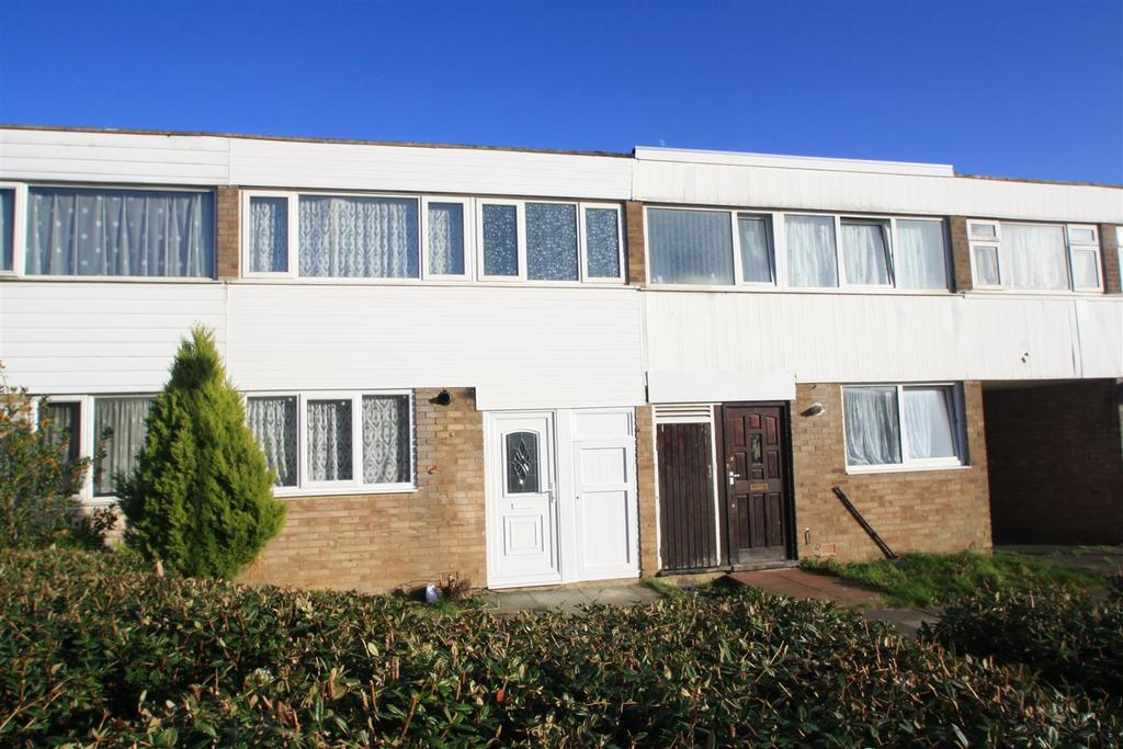 3 Bedrooms Terraced House for sale in Tarbert Close, Bletchley, Milton Keynes