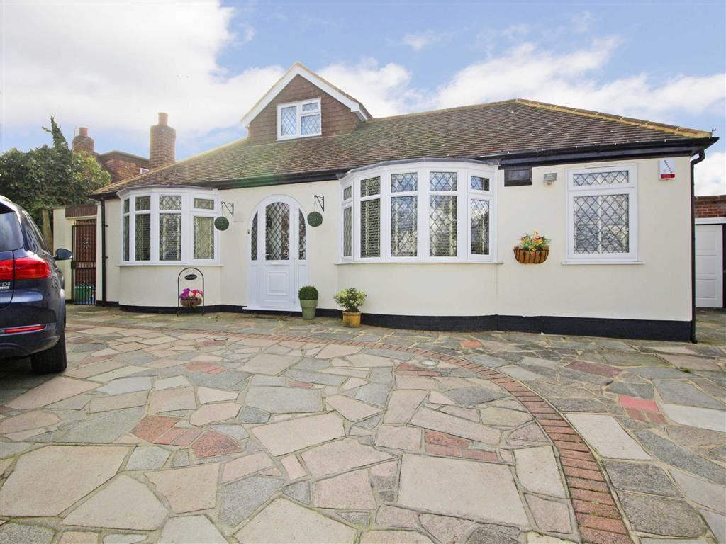 4 Bedrooms Detached Bungalow for sale in Goddington Lane, Orpington, Kent