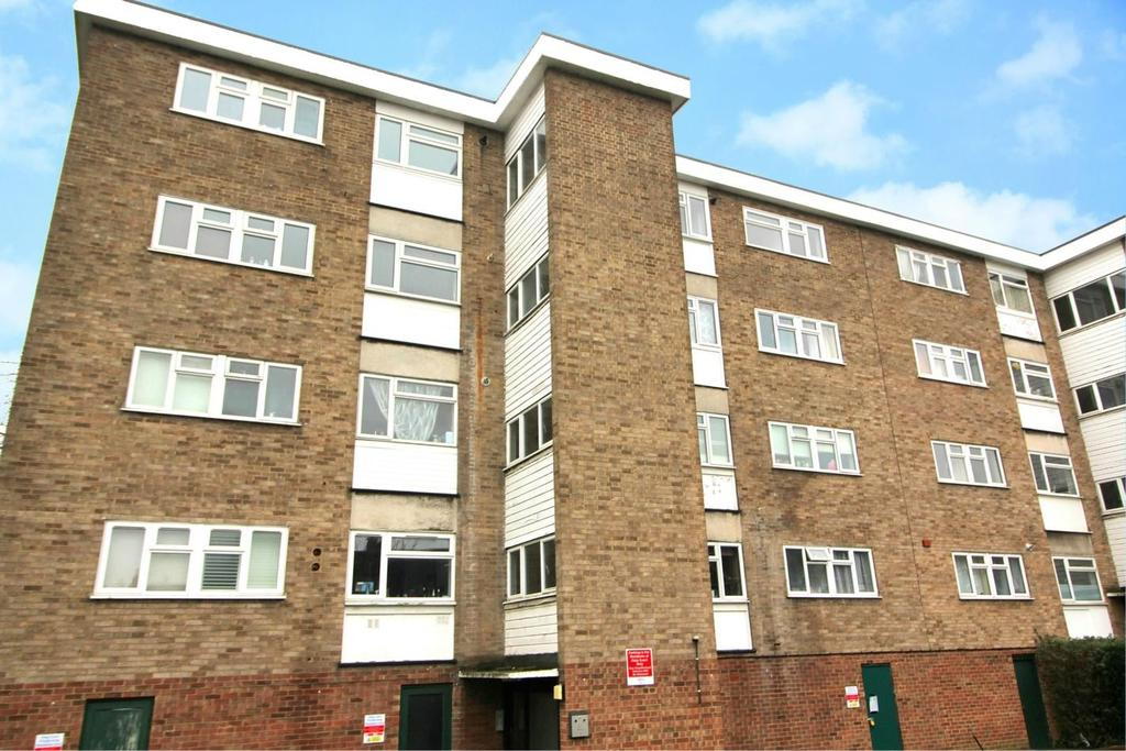 2 Bedrooms Apartment Flat for sale in Haig Court, Bradford Street, Chelmsford, CM2