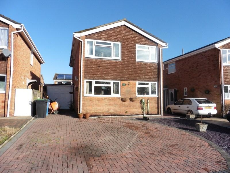 4 Bedrooms Detached House for sale in Runnymede Avenue, Bournemouth