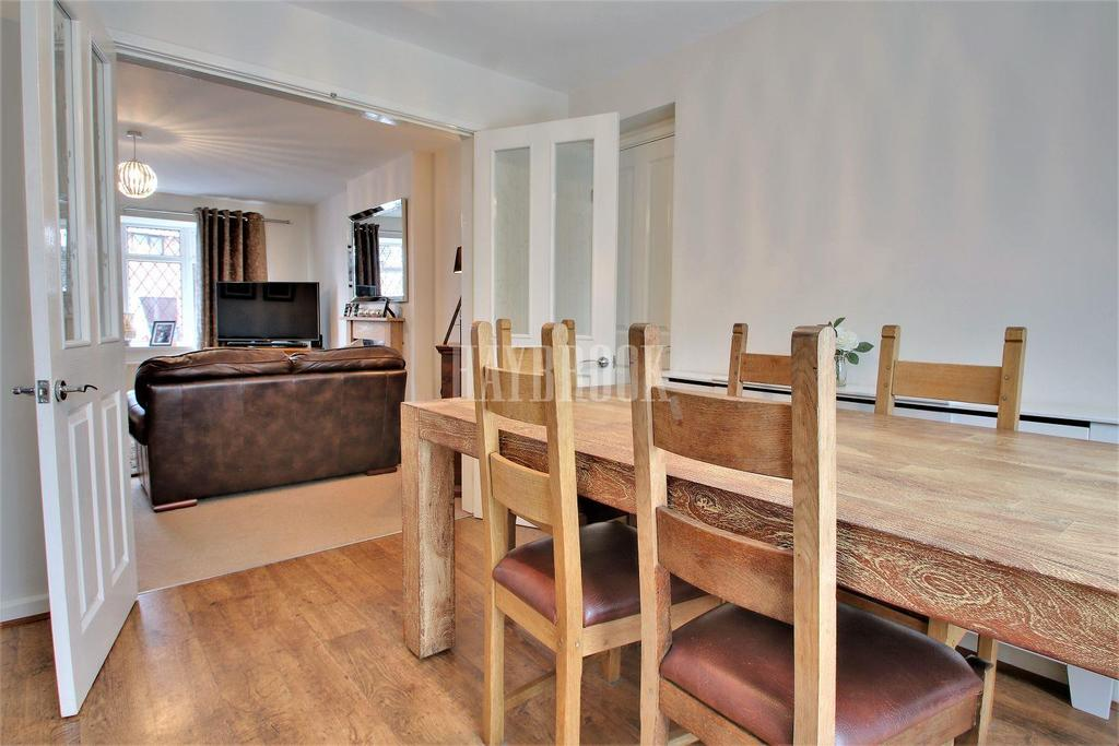 4 Bedrooms Detached House for sale in Blackburn Crescent, Chapeltown