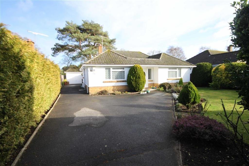 3 Bedrooms Detached Bungalow for sale in Glenmoor Road, Ferndown