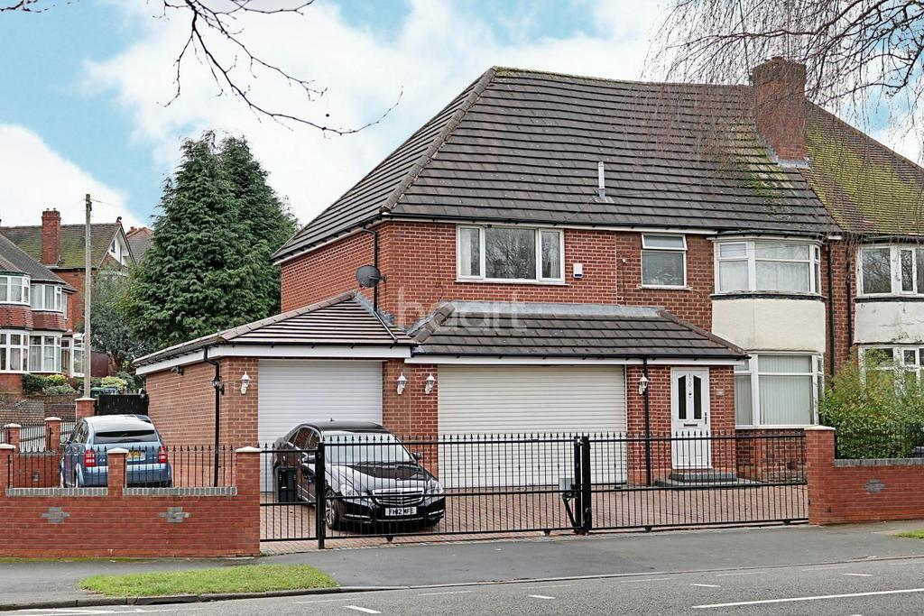 4 Bedrooms Semi Detached House for sale in Norman Road, Smethwick