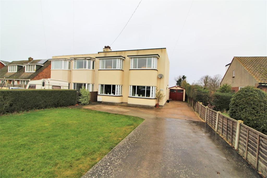 3 Bedrooms Semi Detached House for sale in Kirby Road, Walton On The Naze