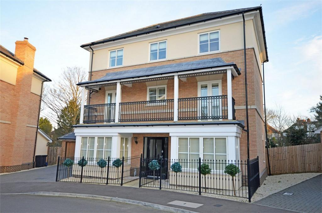 6 Bedrooms Detached House for sale in 25 Buckingham Road, EPPING, Essex