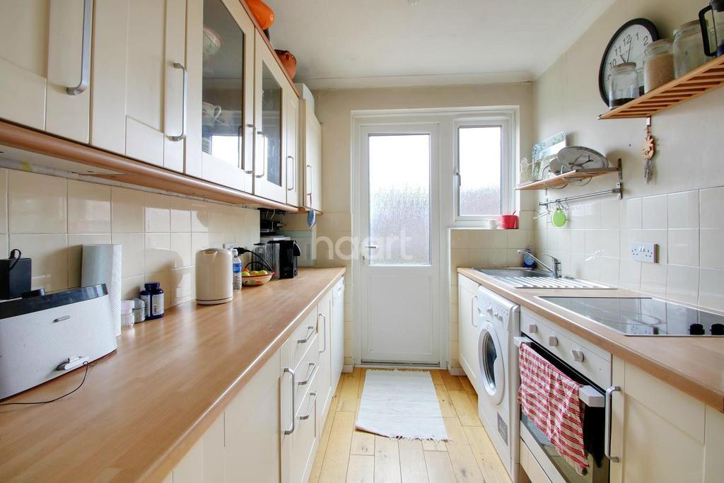 3 Bedrooms Terraced House for sale in Thurleston Avenue, Morden, Surrey, SM4