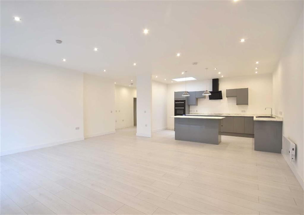 3 Bedrooms Apartment Flat for sale in Apartment 6, Listley Place, High Town, Bridgnorth, Shropshire, WV16