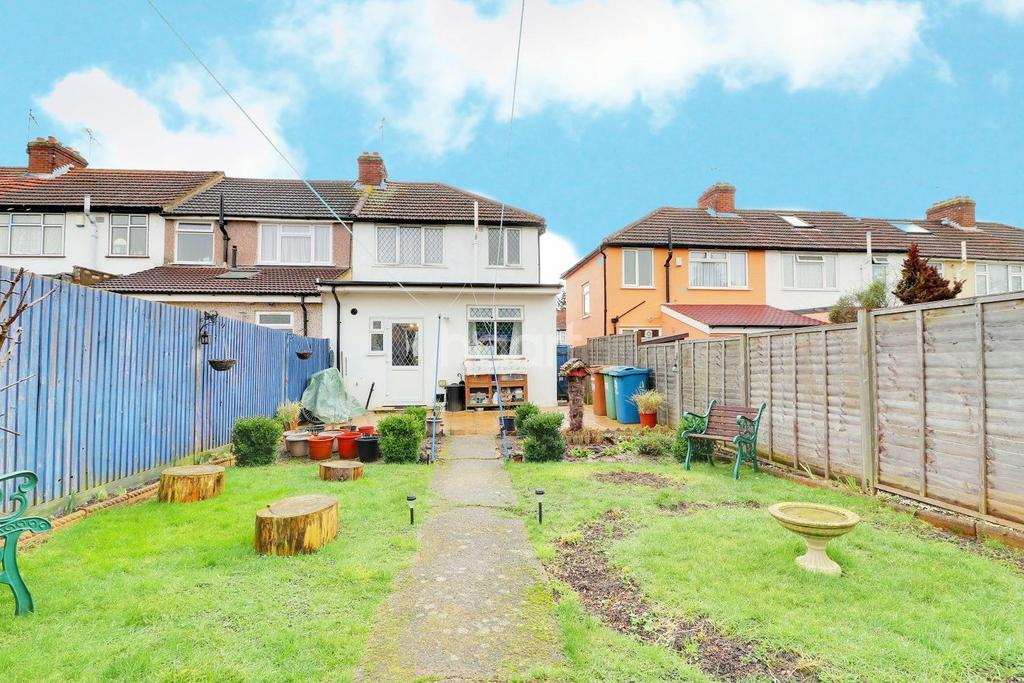 4 Bedrooms End Of Terrace House for sale in Reynolds Drive, HA8