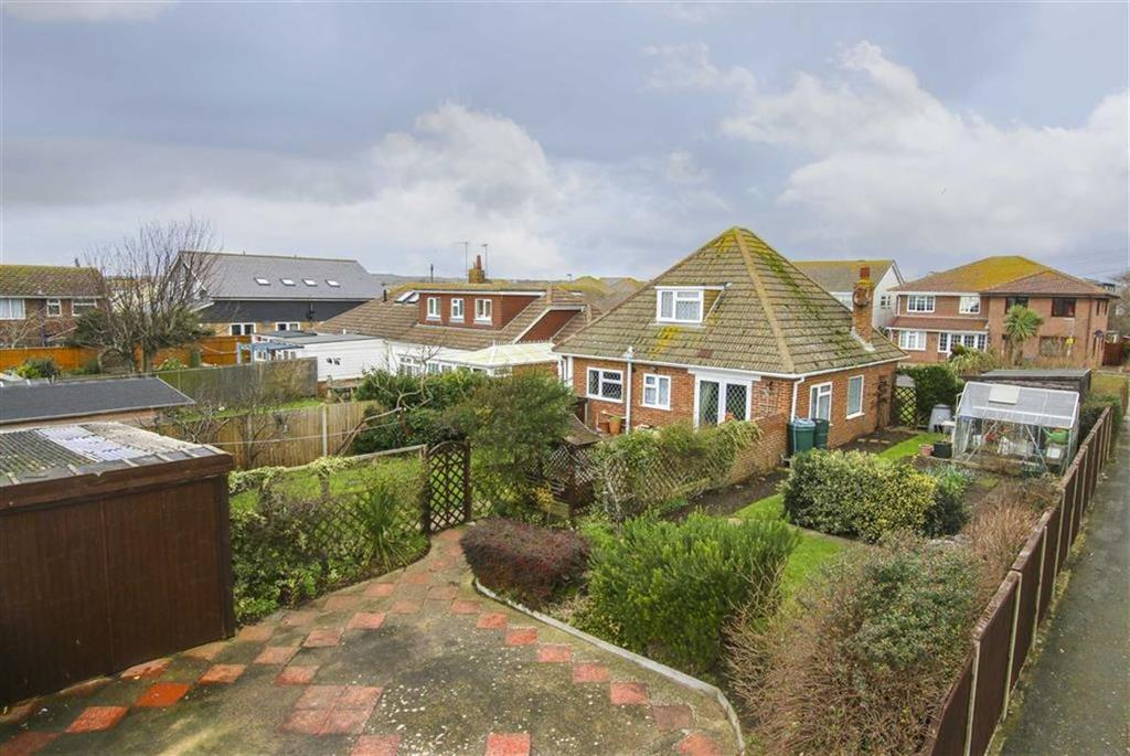3 Bedrooms Chalet House for sale in Arundel Road, Peacehaven