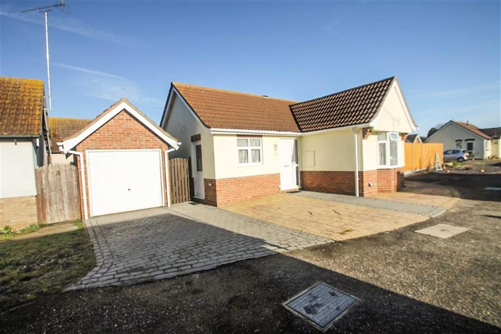 2 Bedrooms Detached Bungalow for sale in Fuchsia Way, Clacton-on-Sea