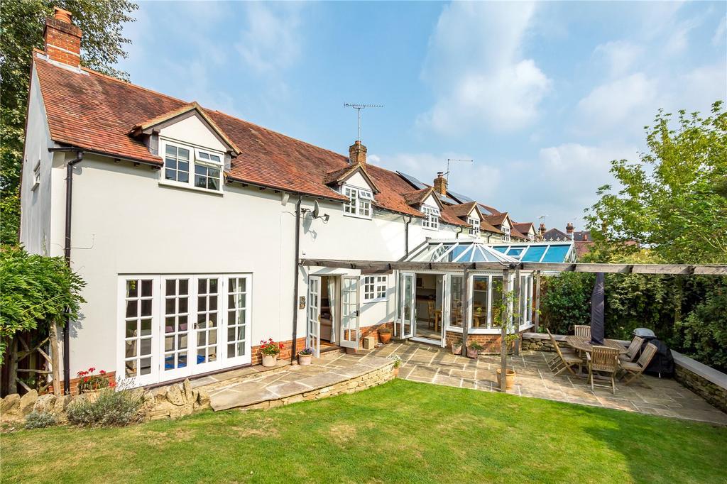 4 Bedrooms House for sale in Prospect Road, Rowledge, Farnham, Surrey