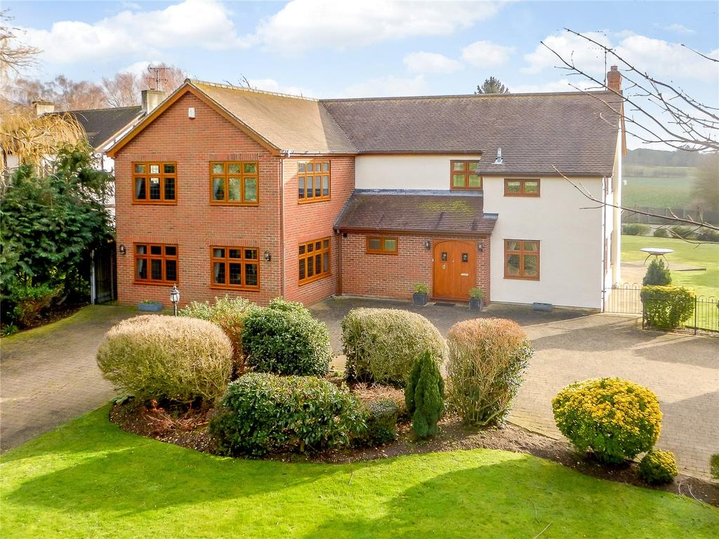 5 Bedrooms Detached House for sale in Wheelers Hill, Little Waltham, Chelmsford