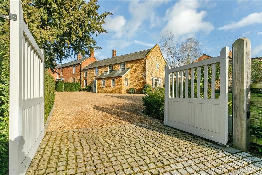 5 Bedrooms Detached House for sale in North Street, Mears Ashby, Northampton, Northamptonshire, NN6