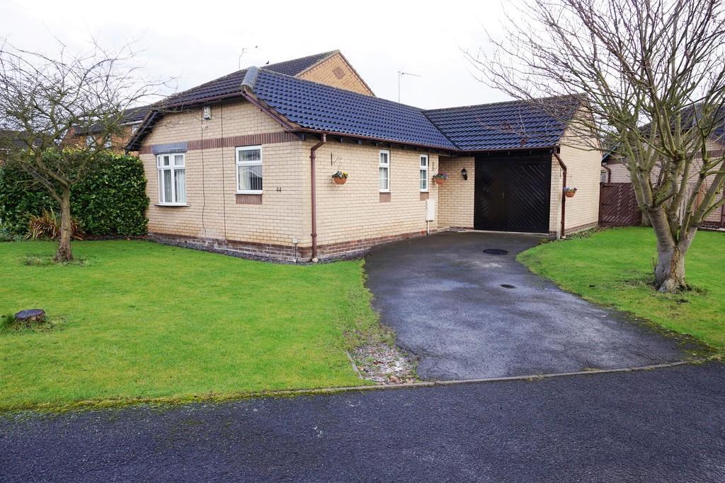 2 Bedrooms Detached Bungalow for sale in Welham Grove, Retford