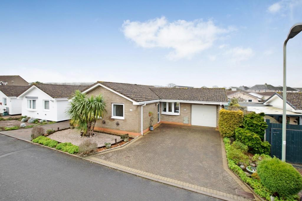 2 Bedrooms Detached Bungalow for sale in Newcross Park, Kingsteignton, TQ12 3TH
