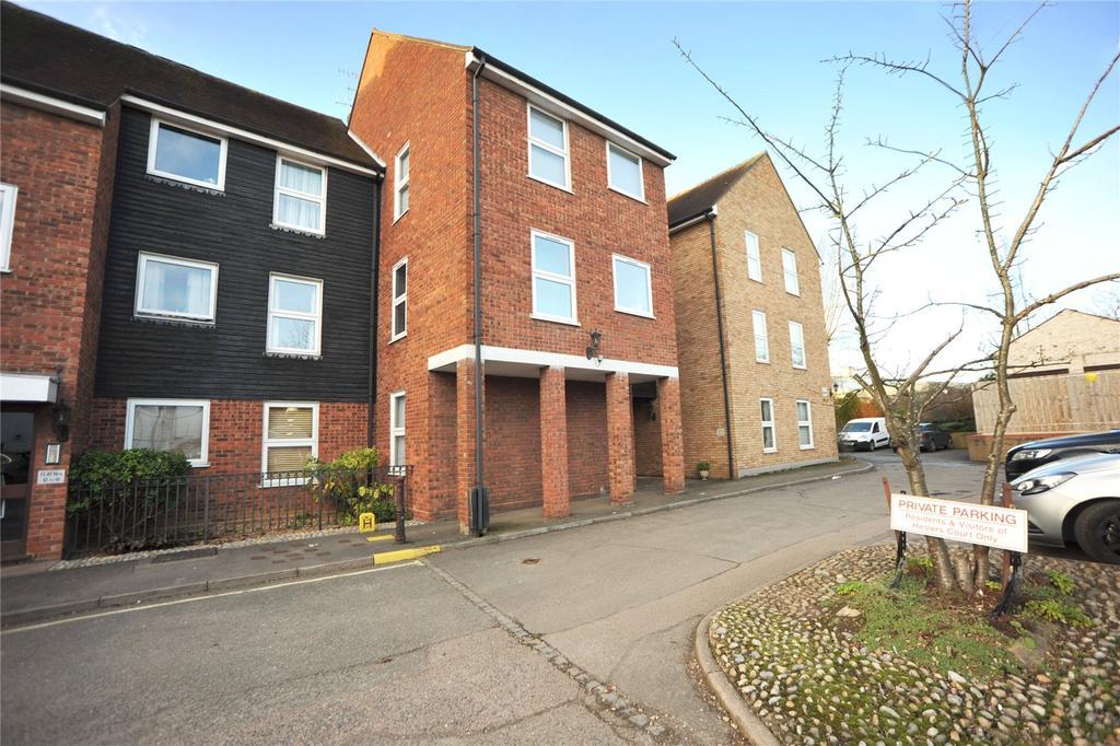 1 Bedroom Apartment Flat for sale in Haslers Court, Fryerning Lane, Ingatestone, Essex, CM4