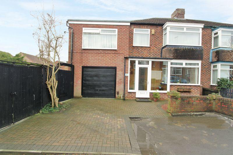 4 Bedrooms Semi Detached House for sale in Hillcrest Avenue, Fairfield, Stockton, TS18 5AF