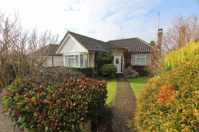 2 Bedrooms Bungalow for sale in Ann Close, Hassocks
