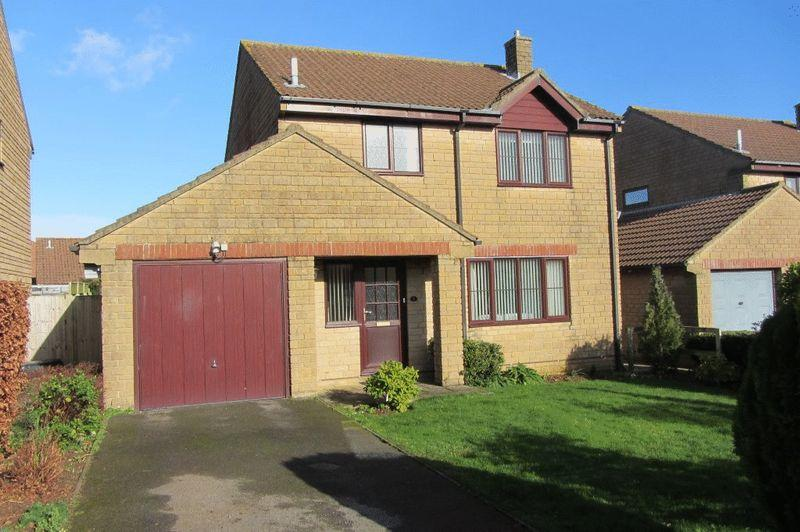 3 Bedrooms Detached House for sale in Manor View, Crewkerne