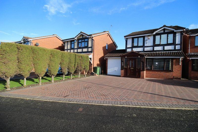 3 Bedrooms Detached House for sale in Babors Field, Sedgmoor Park, Bilston
