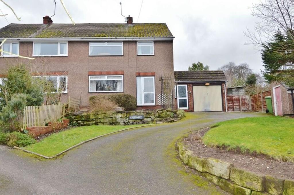 3 Bedrooms Semi Detached House for sale in Greenways, Little Haywood