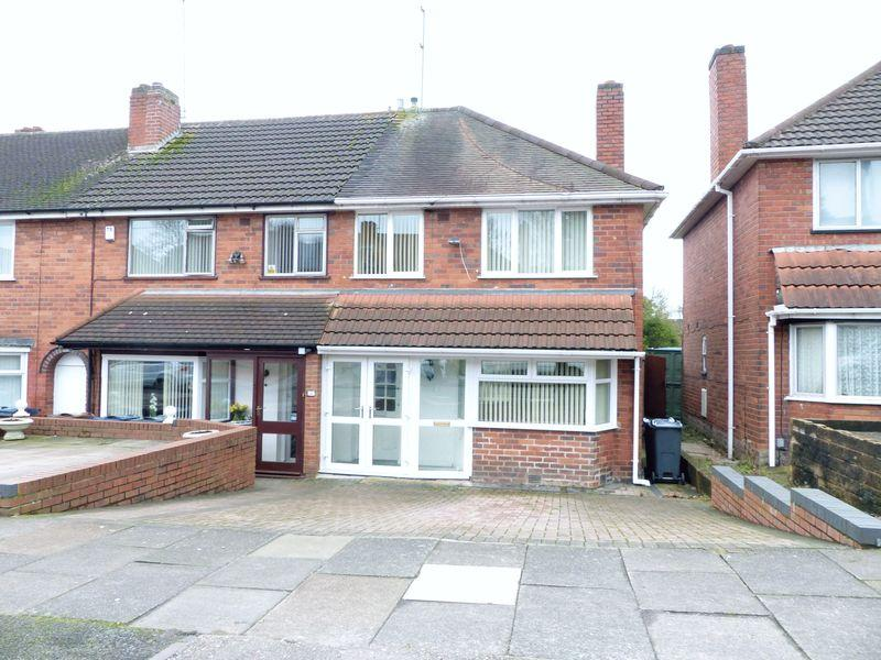 3 Bedrooms Terraced House for sale in Chelmorton Road, Great Barr