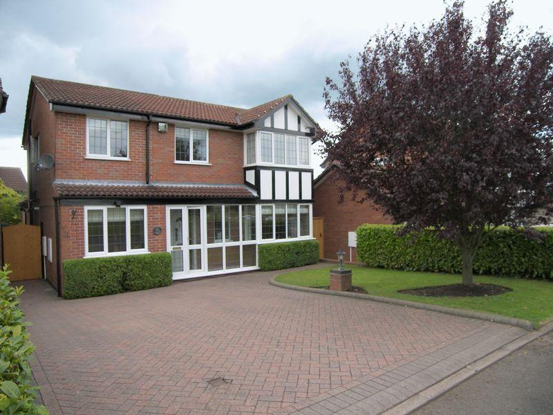 4 Bedrooms Detached House for sale in Vaughan Close, Four Oaks, Sutton Coldfield