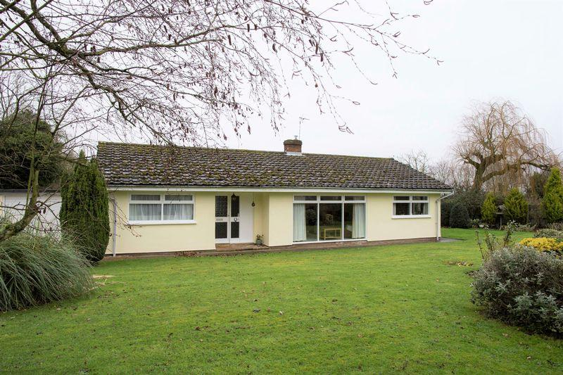 3 Bedrooms Detached Bungalow for sale in Old Post Office Road, Chevington