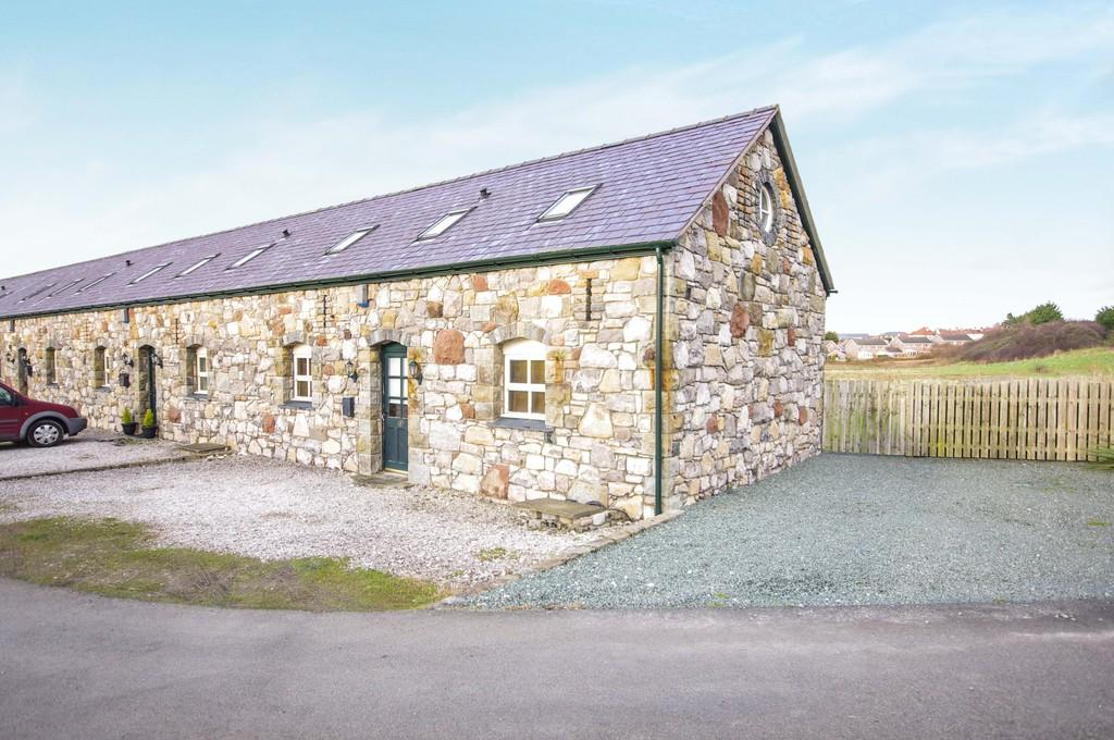3 Bedrooms Barn Conversion Character Property for sale in Llys Isfryn, Meliden Road