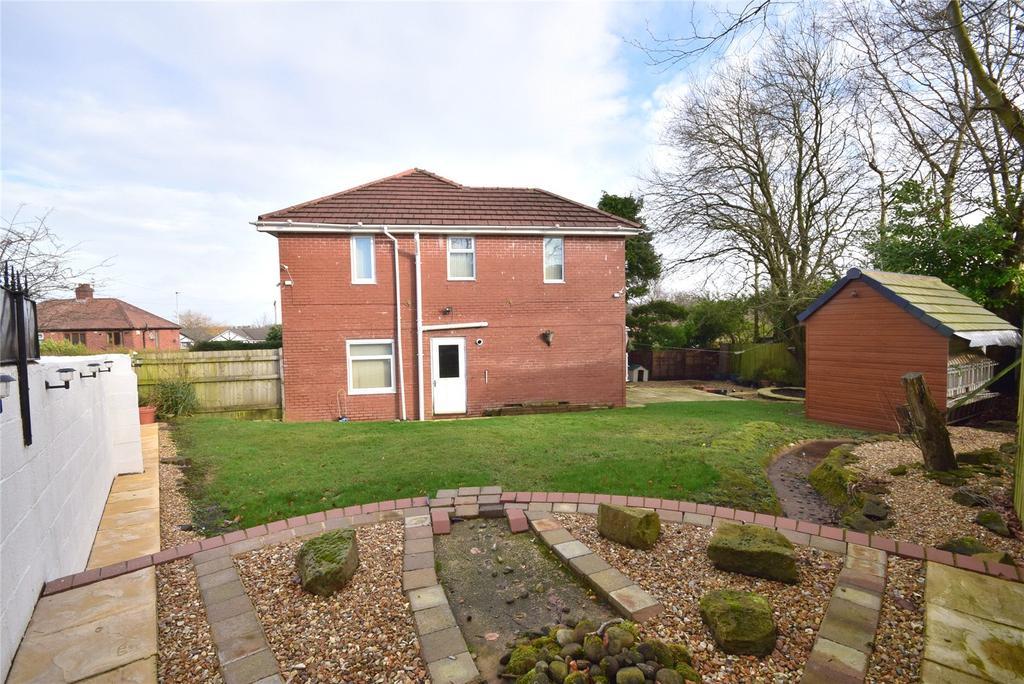4 Bedrooms Semi Detached House for sale in Bank Lane, Blackburn, Lancashire, BB1