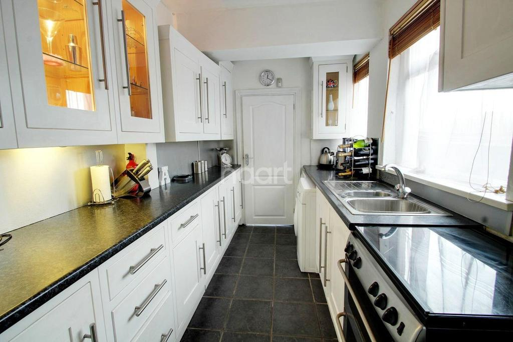 3 Bedrooms Terraced House for sale in Chapel Street, Kilburn