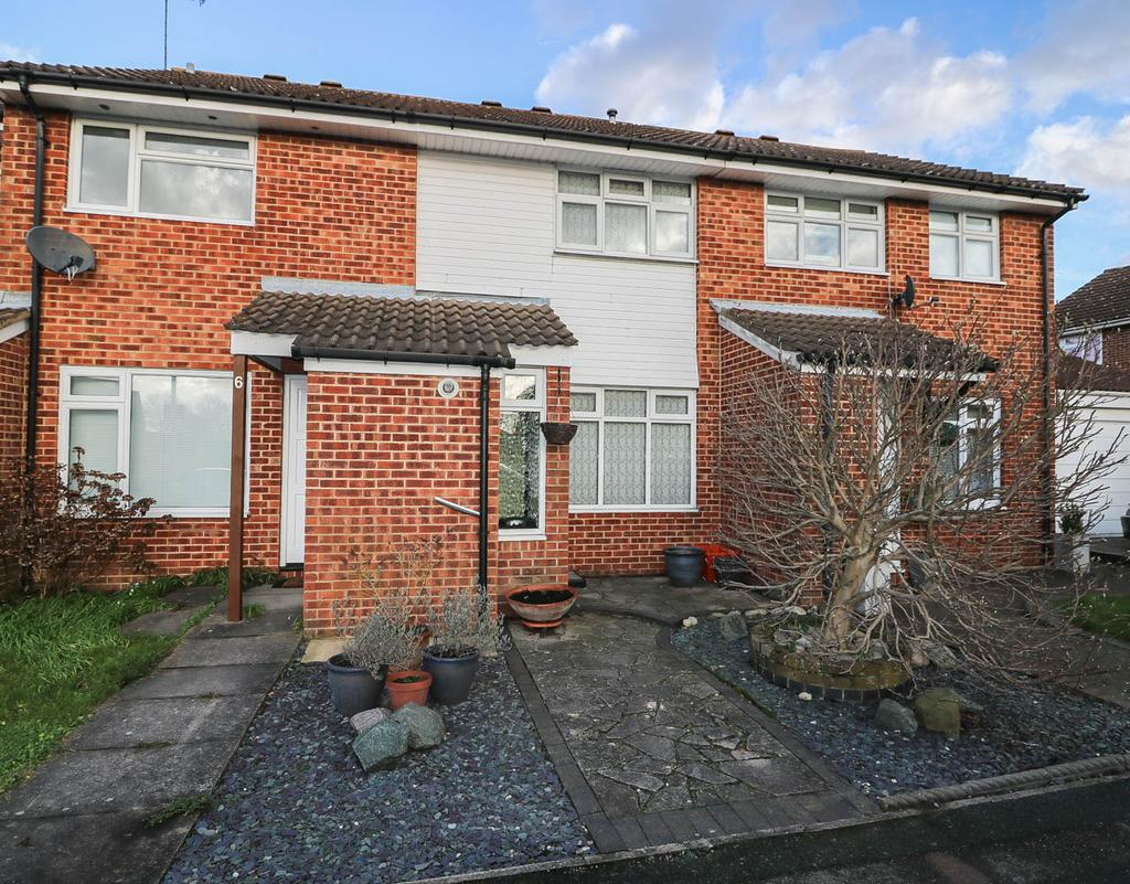2 Bedrooms Terraced House for sale in Warrington Square, Billericay CM12