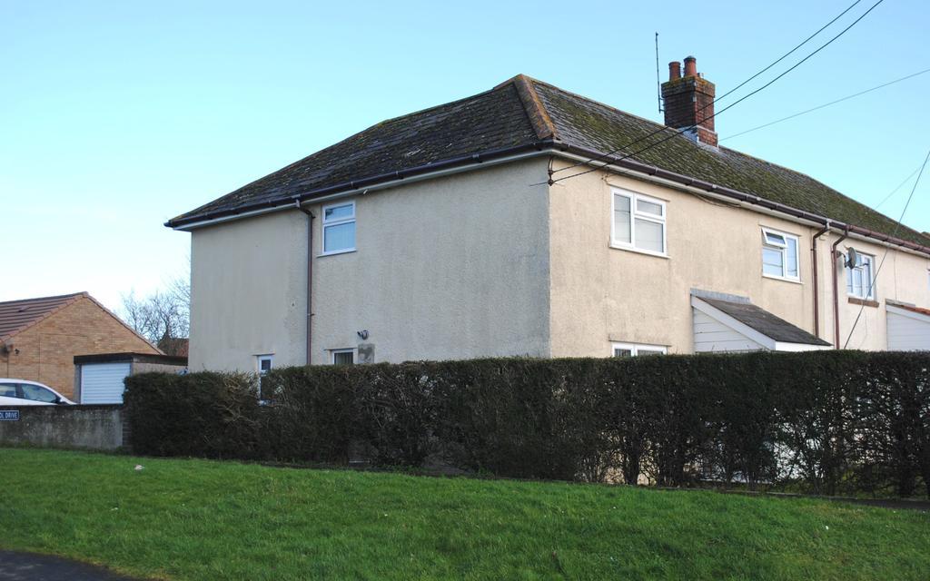 3 Bedrooms Semi Detached House for sale in Durrington, Salisbury, Wiltshire, SP4 8DP