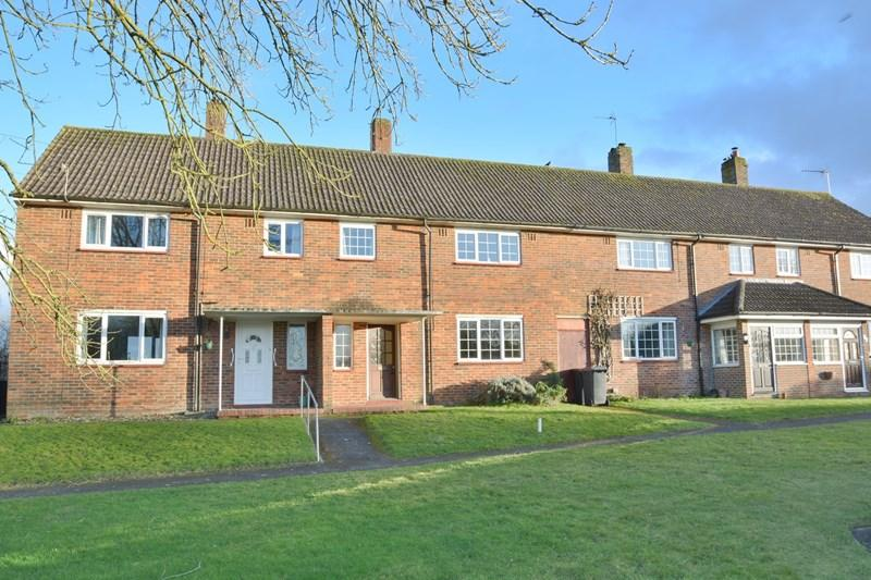 3 Bedrooms Terraced House for sale in Roberts Road, Barton Stacey, Winchester