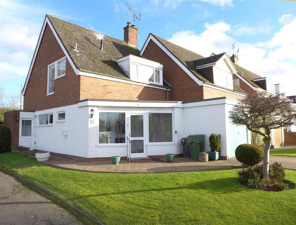 3 Bedrooms Semi Detached House for sale in The Glebe, Belbroughton, Stourbridge